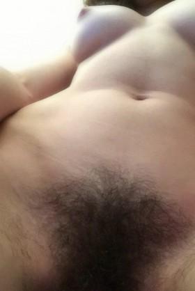 Unzensierte Vagina mit Pelz